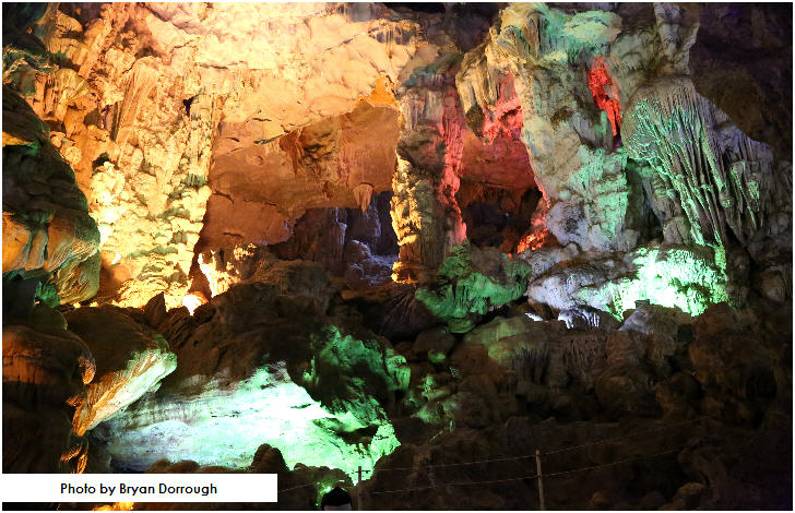 Thien Cung Cave, Halong Bay, Vietnam