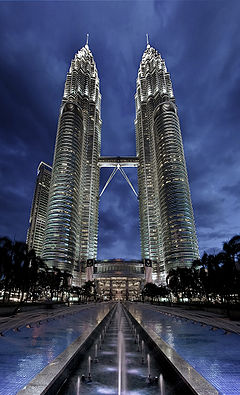 Petronas Towers, 25 must visit in Malaysia