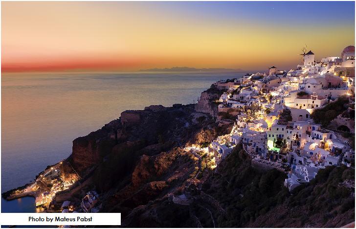 Sunset at Oia village, Santorini, Greek