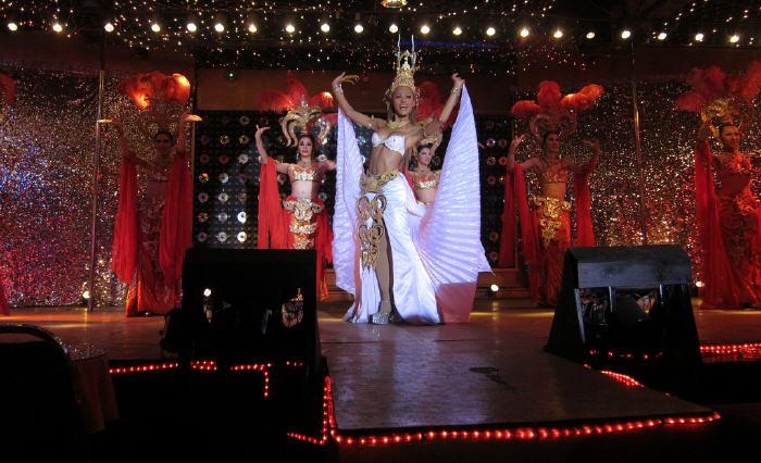 Ladyboy Cabaret Shows, Ko Samui
