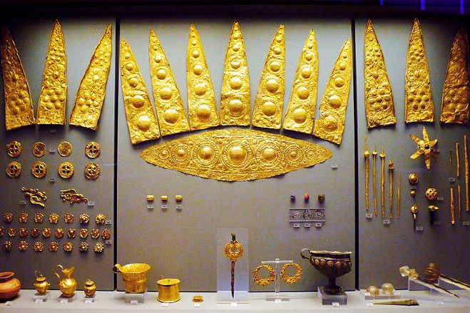 Gold elliptical funeral diadems from Shaft Grave III
