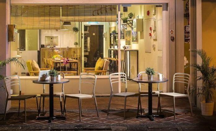 Quarters Hostel, 12 Circular Road, Clarke Quay, Singapore 049368