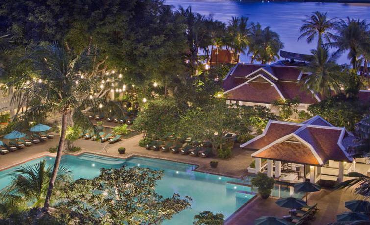 Anantara Riverside Bangkok Resort 257 Charoennakorn Road