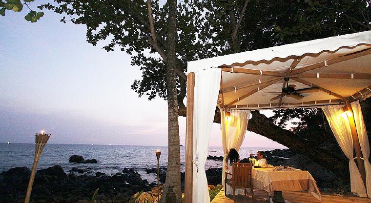 Romantic dining, Trisara, Phuket