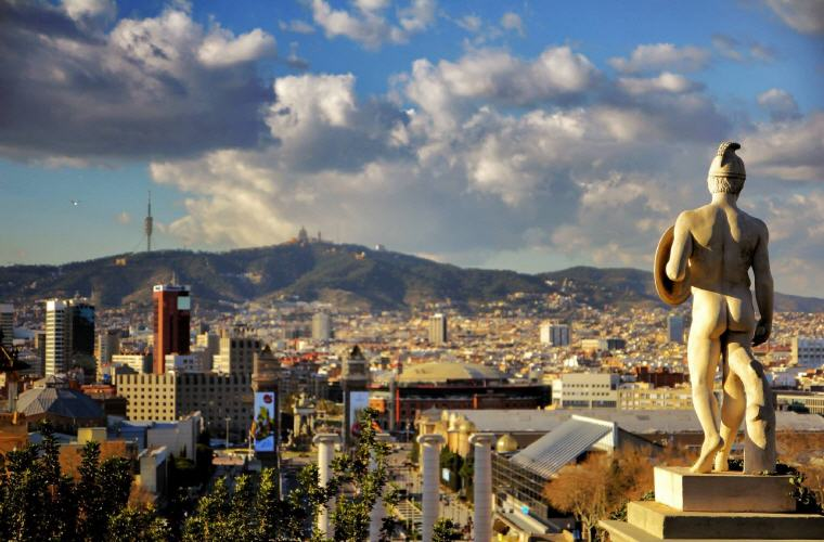 Barcelona, Best time to book hotels for Summer Travel