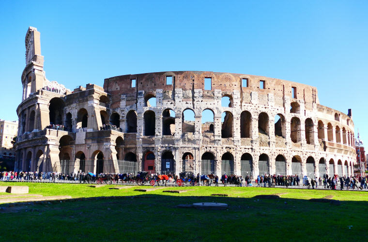 Colosseum, Rome, Best time to book hotels for Summer Travel