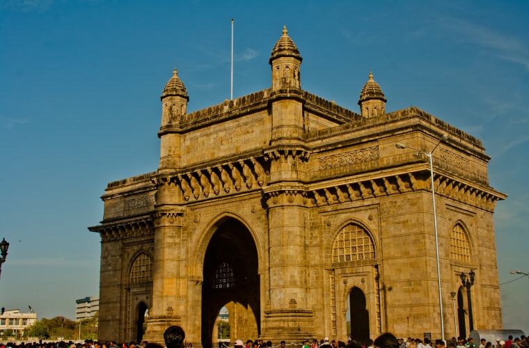 Gateway of India, Mumbai, Best time to book hotels for Summer Travel