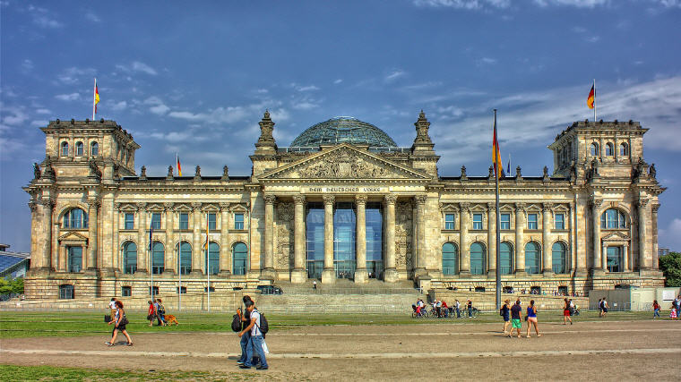 Reichstag, Berlin, Best time to book hotels for Summer Travel