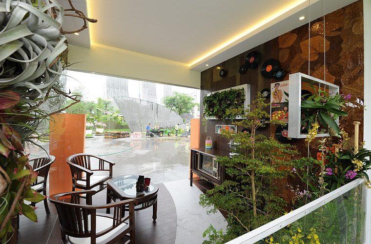 Balcony Gardens, Gary Nai