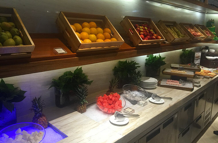 Breakfast fruit station