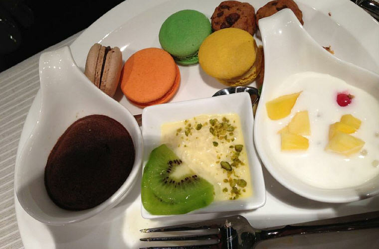 Dessert time after buffet dinner, Sofitel Nanjing Galaxy