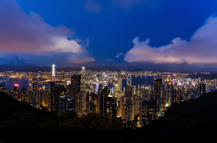Night, Hong Kong, Photo credit: Unsplash