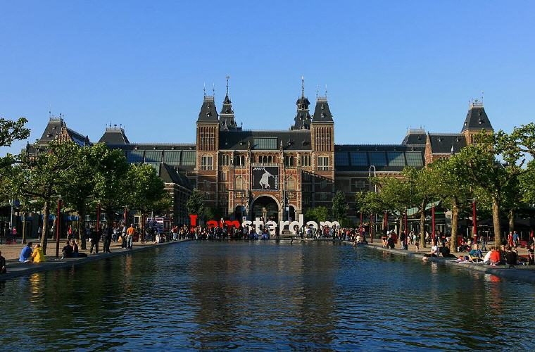 Rijksmuseum, Amsterdam, Photo credit: Marco Almbauer, Wikipedia