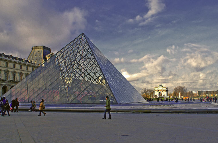 Top Accommodations in Paris, France, Photo credit: Bronisław Dróżka