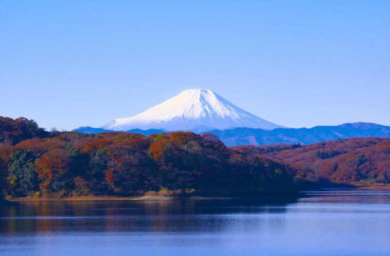 Mount Fuji, Japan, Christmas Flight Deals, Photo credit: sayama