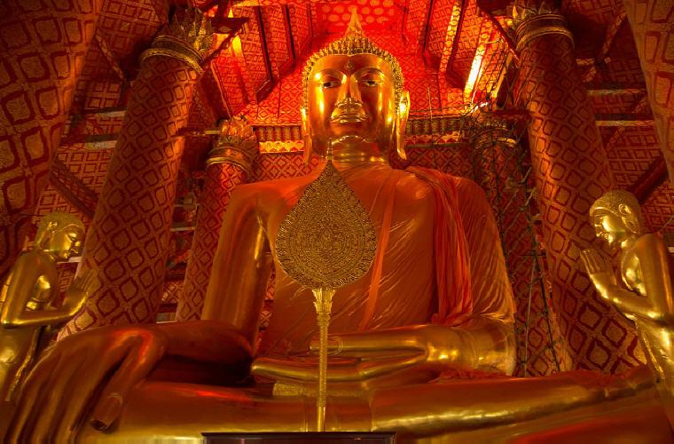 Wat Phanan Choeng, Ayutthaya