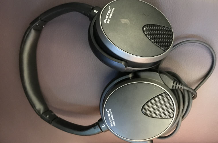 Phitek headphone