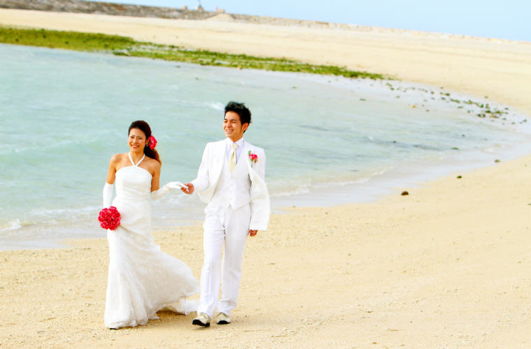 Wedding photo shoots in Okinawa