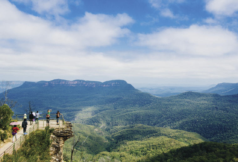 Lookout, Blue Mountains National Park, NSW, Photo credit: Tourism Australia