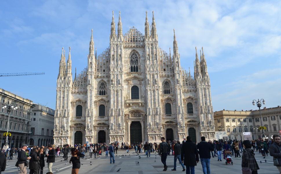 Milan, Car Rental in Milan