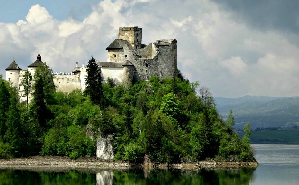 Niedzica Castle at Lake Czorsztyn, Poland, Train Travel in Poland