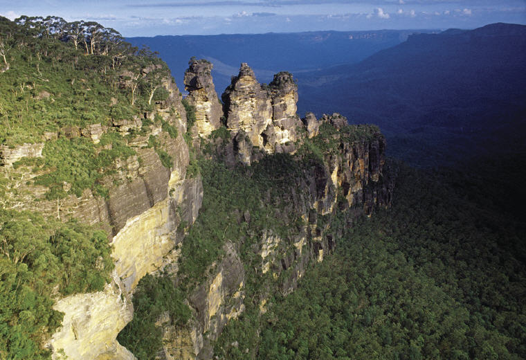 Three Sisters, Blue Mountains, NSW, Photo credit: Tourism Australia