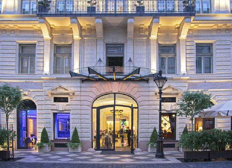 Top 25 Hotels World 2017, #1 Aria Hotel Budapest by Library Hotel Collection