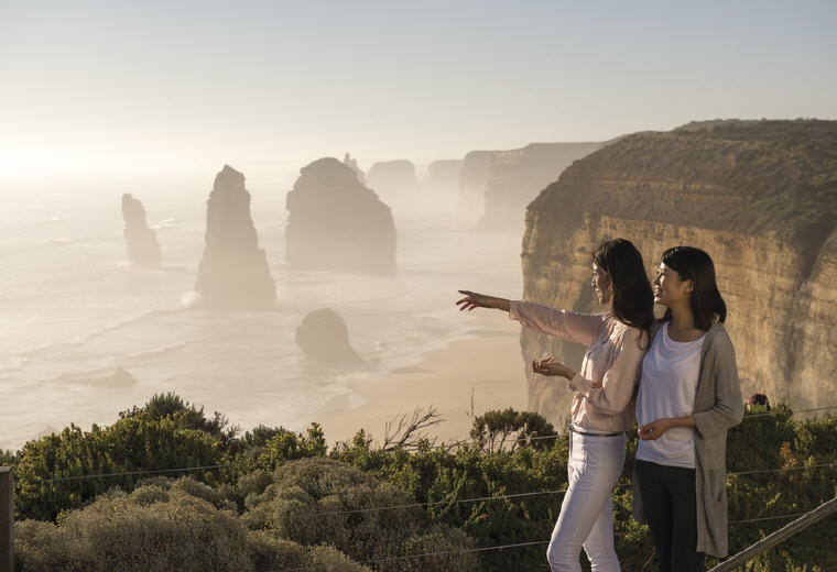 Twelve Apostles Lodge Walk, Great Ocean Road, VIC, Photo credit: Tourism Australia