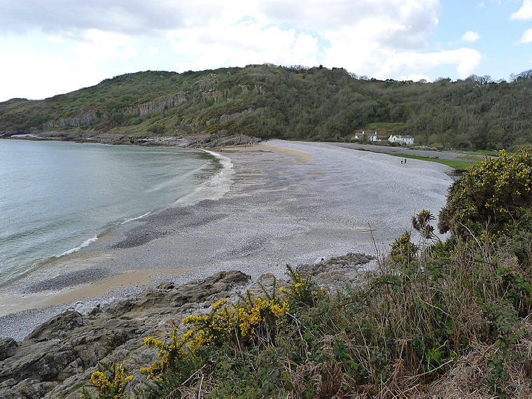 Pwll Du Bay, Gower, Wales, Beach holiday destination, Photo credit: Wikipedia