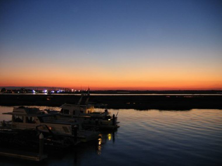 Sunset on the back bay, Wildwood Crest, New Jersey, Credit: Wikipedia, Top domestic summer vacation destinations U.S. 2017