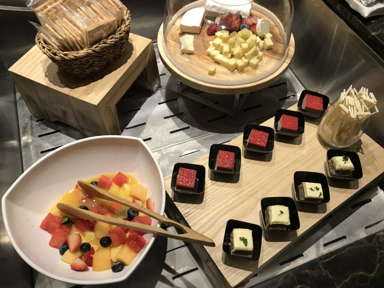 Cake, Buffet, Suites Class, SilverKris Lounge, Hong Kong