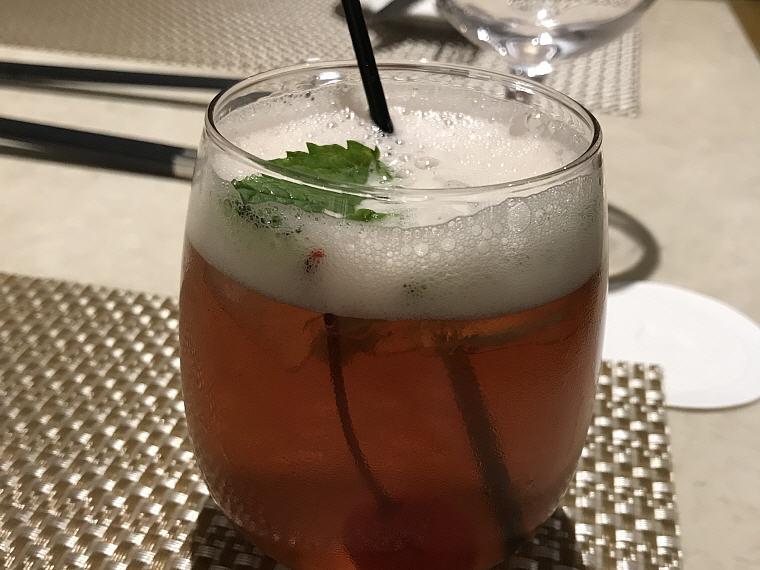 Drinks 2, Suites Class (First Class), SilverKris Lounge, Hong Kong
