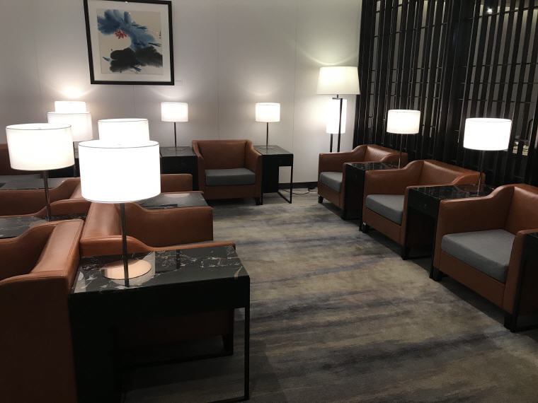 More seats in SilverKris Lounge, Hong Kong