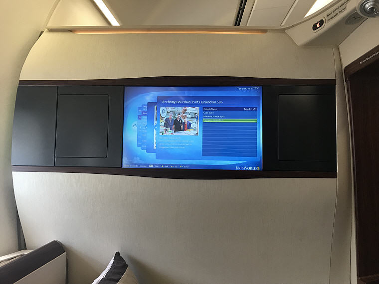 TV, SQ863 A380 Suites Class, Hong Kong – Singapore