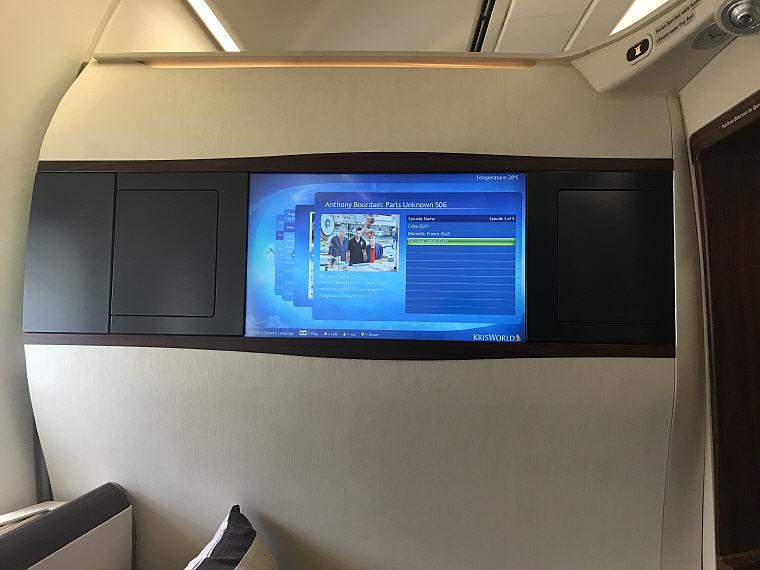 TV, SQ863 A380 Suites Class, Hong Kong – Singapore
