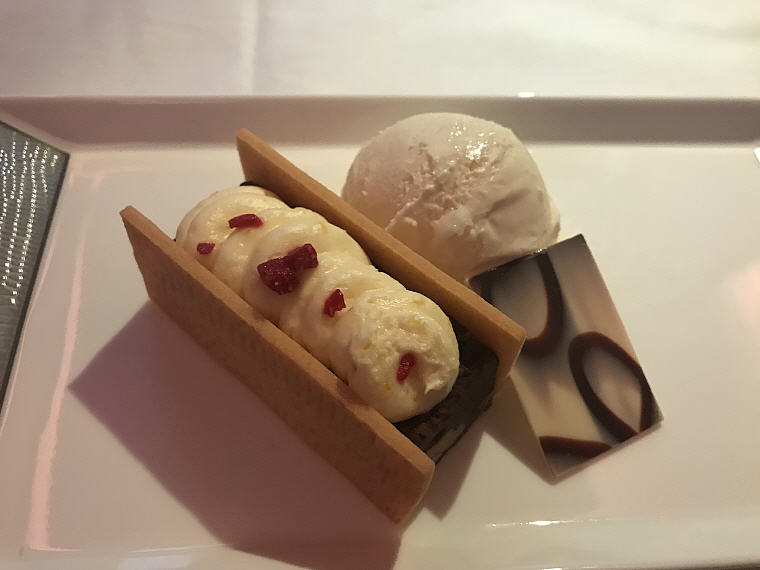 Yuzu Cream on Chocolate Brownie (With mango raspberry ice cream), SQ863 A380 Suites Class, Hong Kong - Singapore