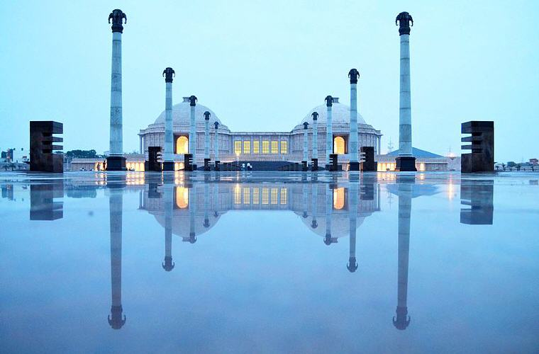 Ambedkar Memorial Park, Lucknow, India, Cheap flights with Scoot, exclusive on Skyscanner