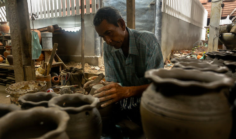 Craft of pottery on Koh Kret Island, Best Day Trips from Bangkok: 6 Insider's Tips by Local Experts