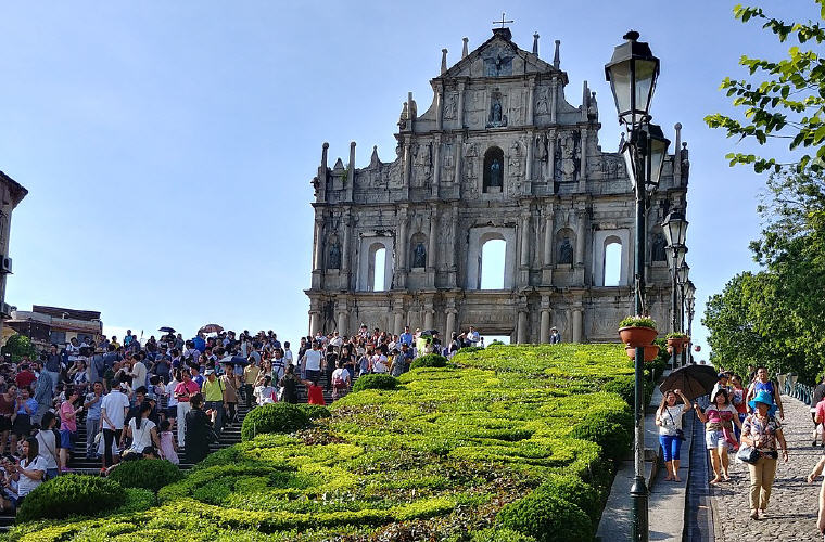 Macau Cathedral, Cheap flights with Scoot, exclusive on Skyscanner
