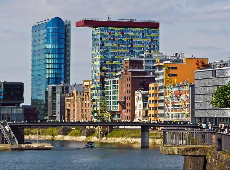 Media Harbour, Düsseldorf, Photo credit: Michael Gaida, KrisFlyer USD100 Stopover Redemption