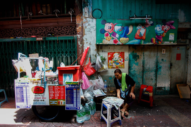 Street vendor setting up drink cart at Yaowarat Chinatown in Bangkok, What to Do in Bangkok: 5 Insider's Tips by Local Experts