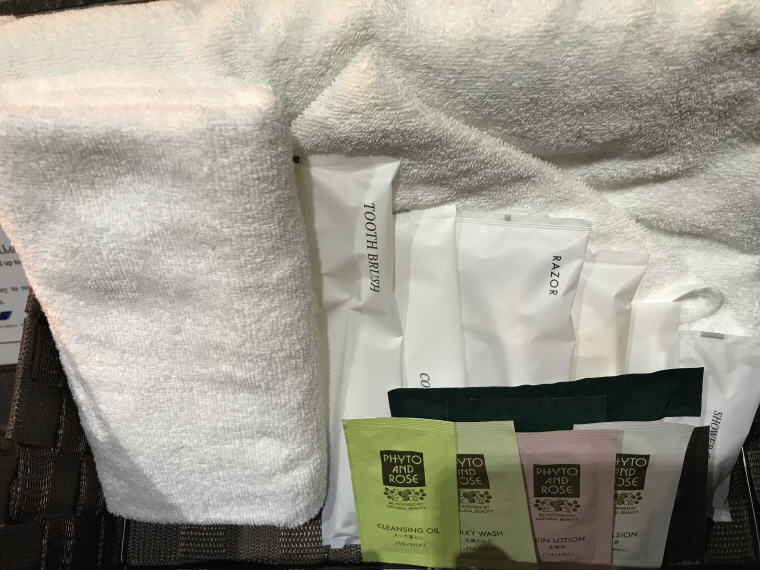 Decent toiletries in shower room, ANA Lounge, Haneda Airport, SQ 633 A350 Business Class Experience Tokyo - Singapore