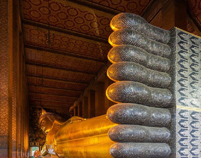 Reclining Buddha, Wat Pho, Bangkok, Thailand, Top landmarks world 2018, Credit: Diego Delso, Wikimedia Commons