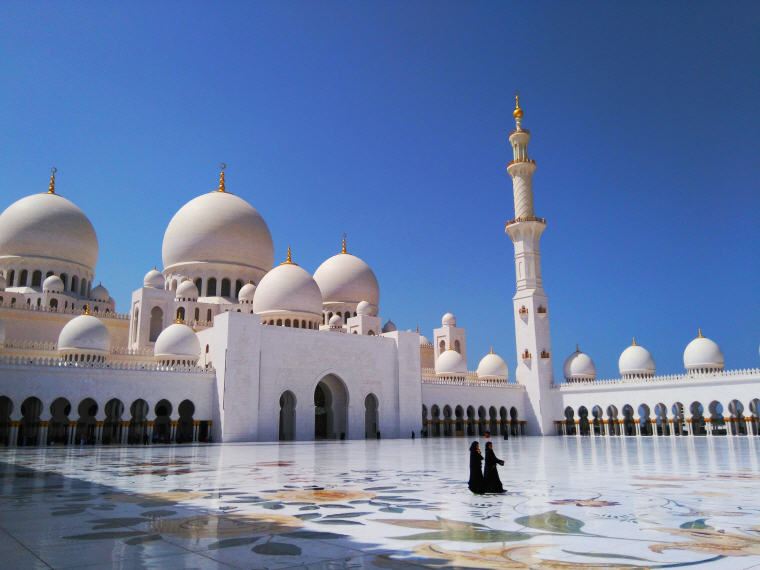 Sheikh Zayed Grand Mosque Center, Abu Dhabi, United Arab Emirates, Photo credit: Julio Chaves, 25 Top landmarks in the world for 2018