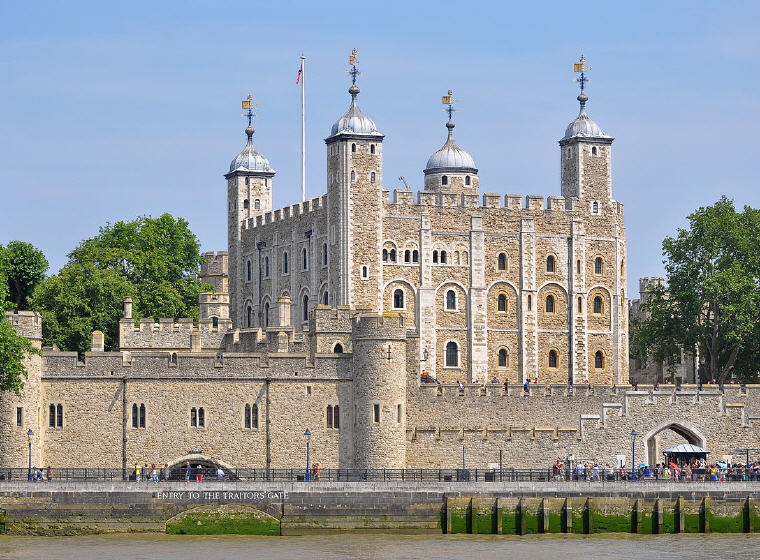 Tower of London, London, United Kingdom, 25 top landmarks world 2018, © Bob Collowan, Wikipedia