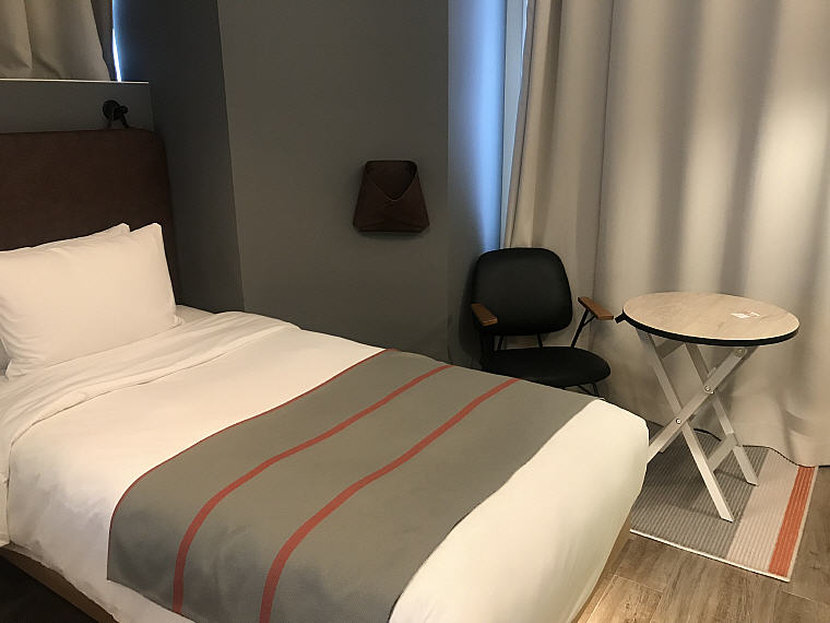 Ample space in the Twin Room, MOXY Osaka Honmachi by Marriott