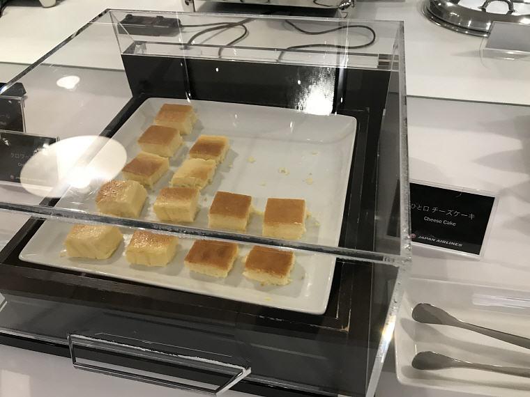 Cheese Cake, Sakura Lounge, Bangkok Suvarnabhumi Airport