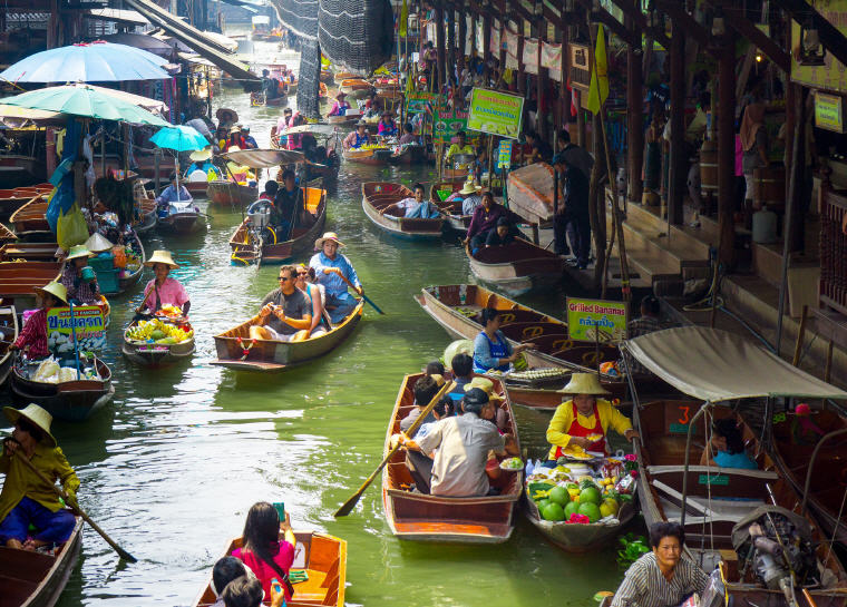 5 Marvelous Floating Markets near Bangkok, Damnoen Saduak Floating Market